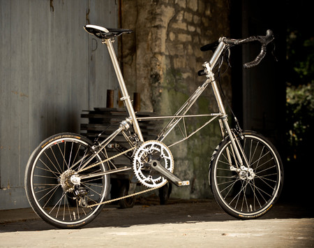 Moulton_speed_main_lifestyle_lrg